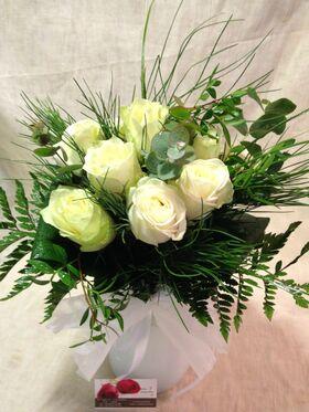 (10) λευκά τριαντάφυλλα Α' 60εκ. Ολλανδικά με πρασινάδες.+ Βάζο + Λευκό Χρωματισμένο Νερό!