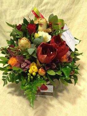 """Λουλούδια σε ποιοτικό Ξύλινο ποτ """"Άνοιξη"""""""