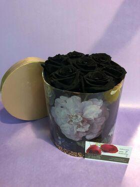 """Ανθοπωλείο. (7) τριαντάφυλλα σε """"Πολυτελές"""" κουτί 15εκ. χ 15εκ."""