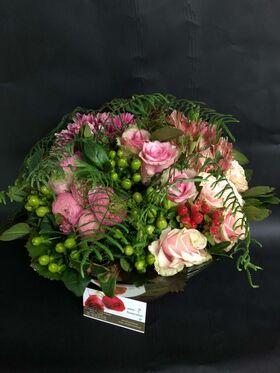 Άνοιξη με Λουλούδια σε Γυάλινο Σκεύος.