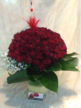 """""""Κόκκινα Τριαντάφυλλα"""" !!! Αγάπη χ 100 !!! (1) Πολυτελές Μπουκέτο (100) τεμ..!!! Σπέσιαλ σε Βάζο."""