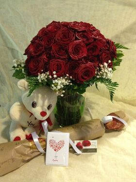 Red Roses Love X 60 !!! (60) Heads !!! (1) Exclusive Vase !!! + Teddy + Wine + Card