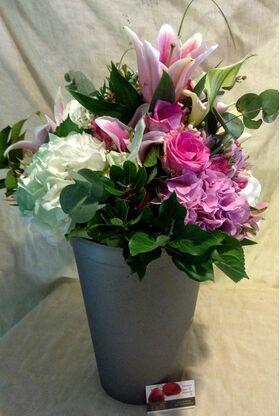 Άνοιξη με Λουλούδια σε Μπουκέτο !!! Σπεσιαλ.