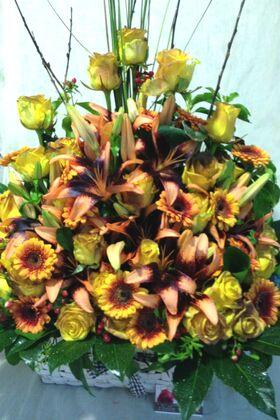 "Basket arrangement with summer flavor!!! ""Thousand flowers""!!!"