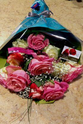 Μπουκέτο με ecuador τριαντάφυλλα (11 τεμ.) (Μεγάλα υπέροχα λουλούδια)!!!