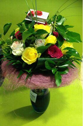Ανθοπωλείο. (21) τριαντάφυλλα μπουκέτο (διάφορα χρώματα)!!! Special