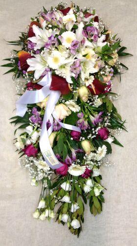 Κατασκευή με άνθη για τάφο. Εξτρα !