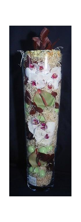 Easter arrangement glass vase with flowers & decorative accessories